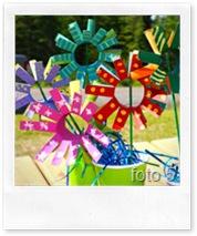 The Crafty Crow - fiori con i tubi della carta ideinica