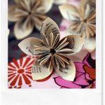 Lavoretti per la festa della mamma: fiori di carta origami