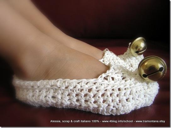 Lavoretti per Natale: scarpette da elfo all'uncinetto
